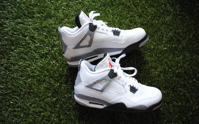 nike-air-jordan-4-white-cement-to-return-in-2016.jpg