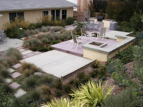 backyard-entertainment-area-formla-landscaping-inc_830.jpg