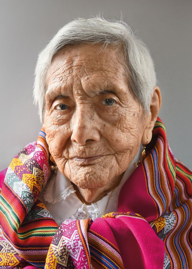 Zoila Donatila Aliaga Melendez vda de Roman from Peru (Photo: 'Aging Gracefully' by Karsten Thormaehlen/Chronicle Books 2017)
