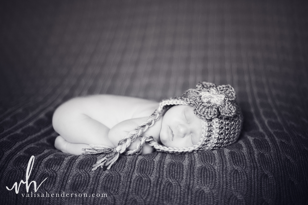 VHP-AnwenNewbornShoot (18 of 44).jpg