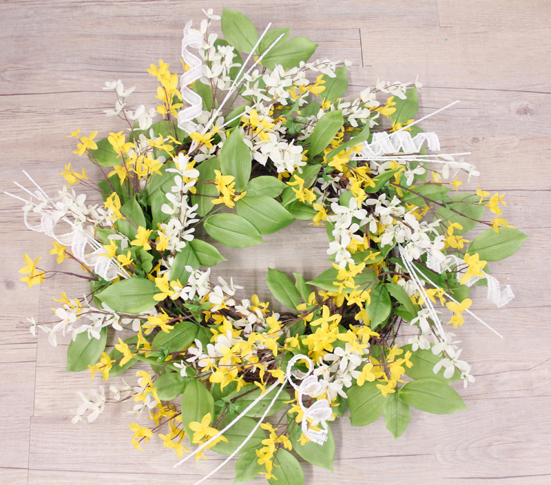 GreenYellowWhiteWreath.jpg
