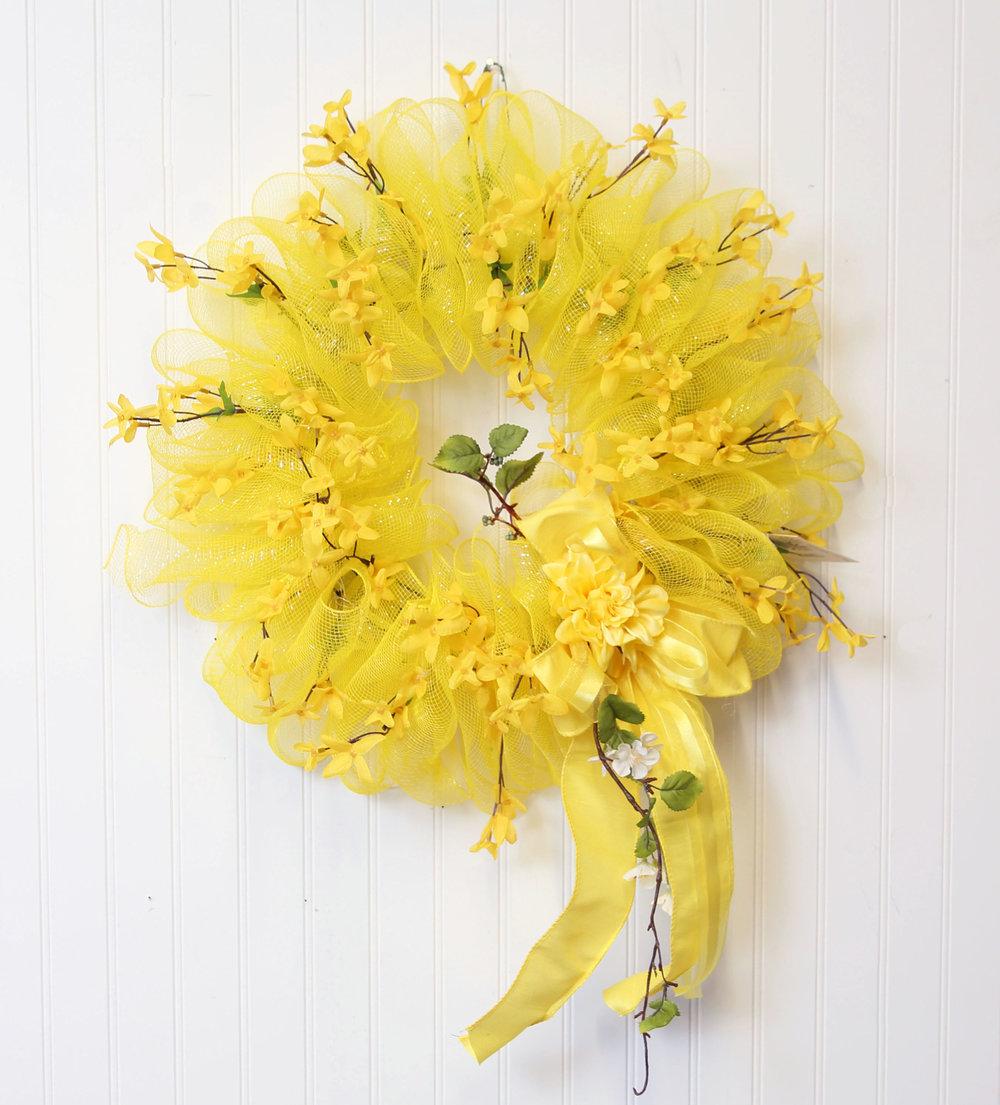 decomesh-wreath-forysthia.JPG
