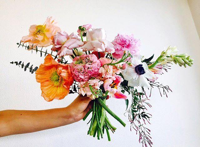 Happy Valentine's Day everyone!! 🖤 #happyvalentinesday #poppy #anemone #renoncules