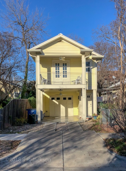 The apartment faces south on 35th Street, NOT on Speedway (main house is on the northwest corner of 35th/Speedway. Pull int the carport under the apartment when you arrive. This is YOUR parking spot for your stay.