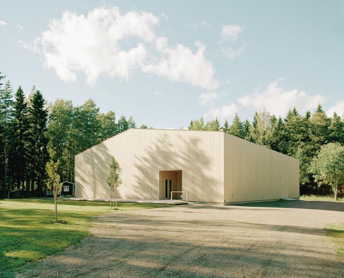 Birch barn by Jukka Sirén