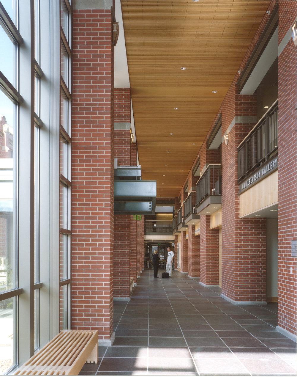 Interior-Hallway 2.jpg