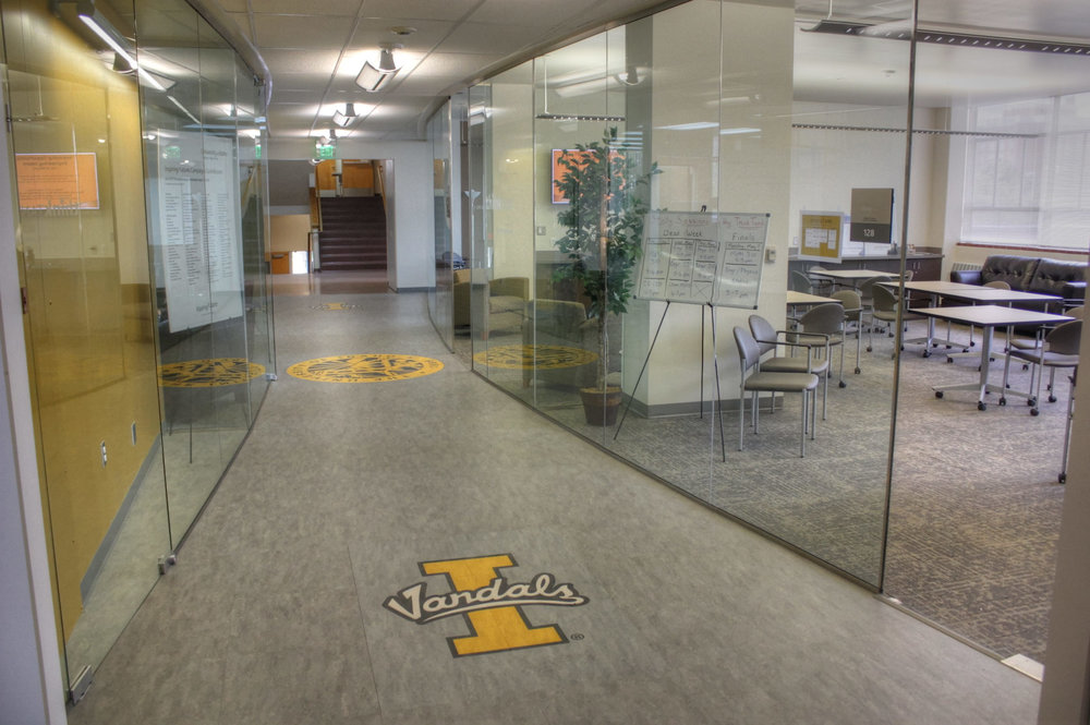 Owner: University of Idaho Location: Moscow, ID   This project included an interior renovation/ remodel of classrooms and offices into a flexible classroom, conference room, gathering and study spaces with a renovated Dean's office suite.