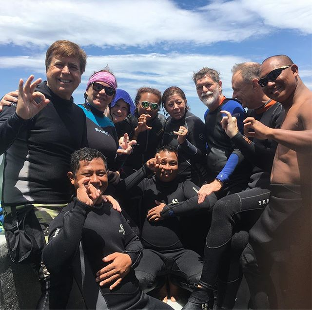 The amazing group and our guides at @dabirahe! Thanks for an amazing workshop so far Susan Meldonian @suzan_meldonian_uw!  #lembeh #lembehdivers #divelembeh #underwaterphoto #underwaterphotography #uwphoto #uwart #dive #diving #scubadiving #scuba #workshop #underwaterphotographer