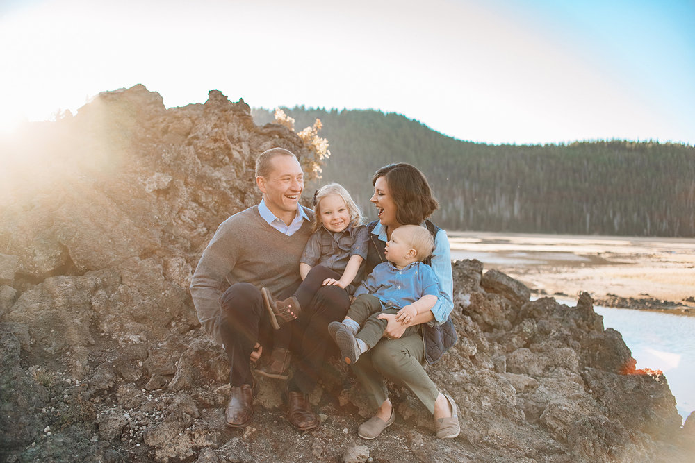 family-portrait-sparks-lake