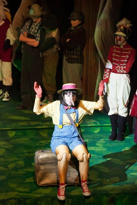 2-2-14 Shrek Bog Cast 0039.jpg