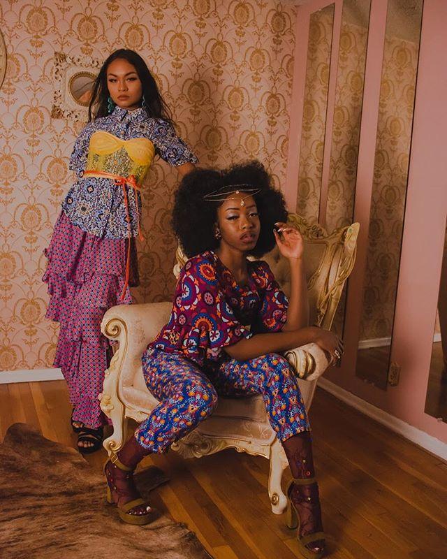 70's Crush 😍 ————————————————— Photographer: @bettyelrodphotography  Set: @thepsychedelicshak  Model: @pinacallata_  @manuelaenama