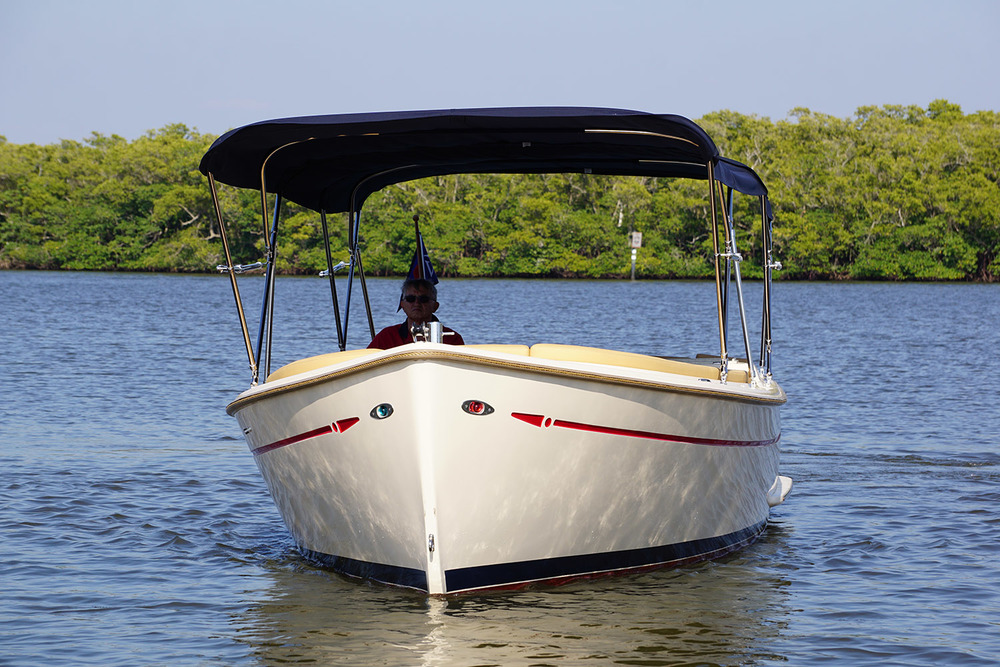 vantage-boat-share-rental-club-island-packet-l24-electric-boat-8.jpg