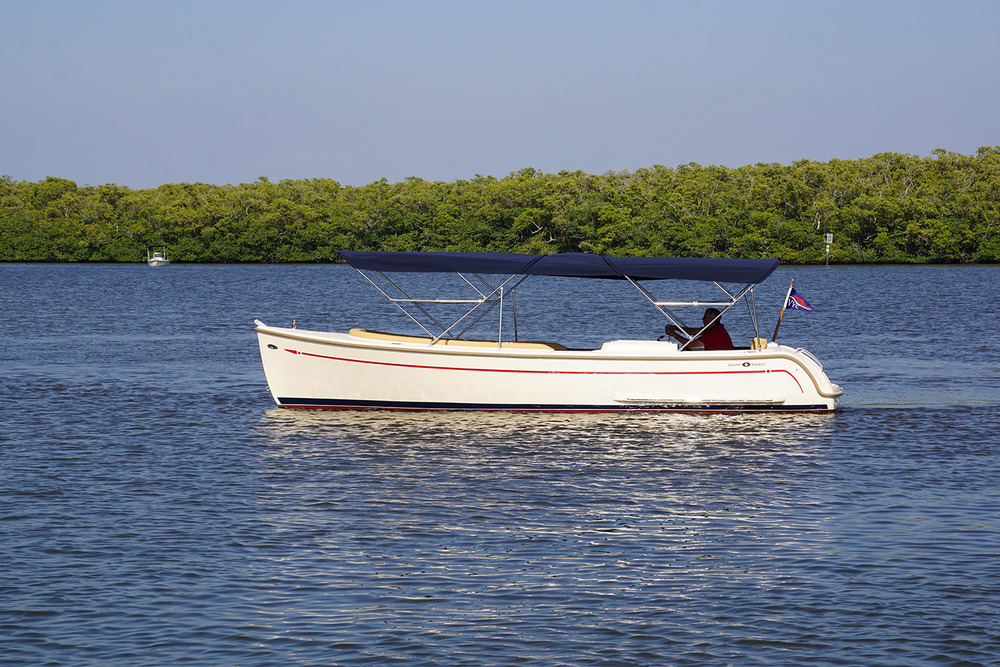 vantage-boat-share-rental-club-island-packet-l24-electric-boat-10.jpg