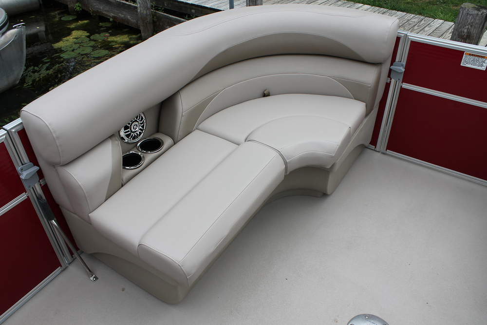 vantage-boat-share-rental-club-22-vantage-pontoon-boat-nt-5.jpg