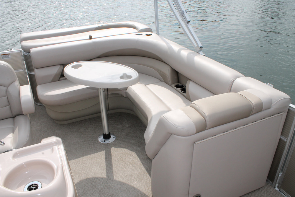 vantage-boat-share-rental-club-22-vantage-pontoon-boat-nt-6.jpg