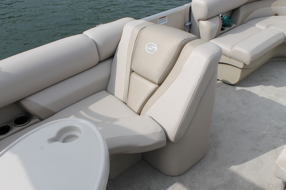vantage-boat-share-rental-club-22-vantage-pontoon-boat-nt-7.jpg
