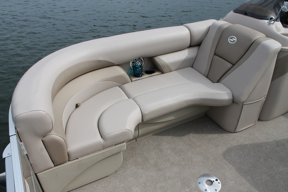 vantage-boat-share-rental-club-22-vantage-pontoon-boat-nt-8.jpg