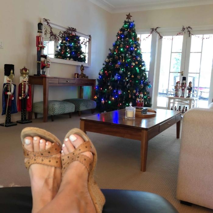 Christmas toes.jpg