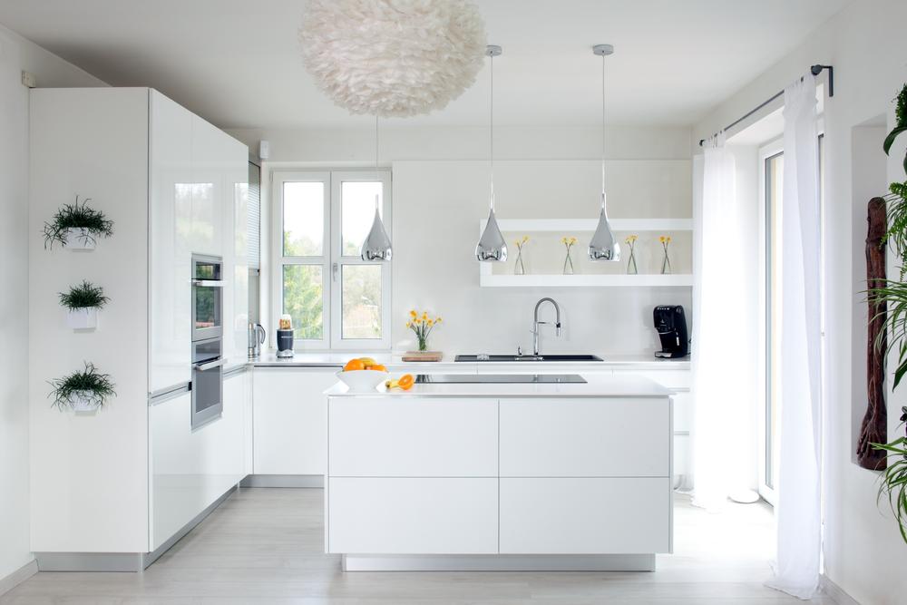 Krásné, profesionální a elegantní- takové jsou IQ kuchyně. Jednoduchý čistý design je třešničkou na dortu a dodává interiéru tu správnou atmosféru. Vyrábíme top kuchyně, na míru vašim přáním. I taková může být vaše, pokud budete chtít...