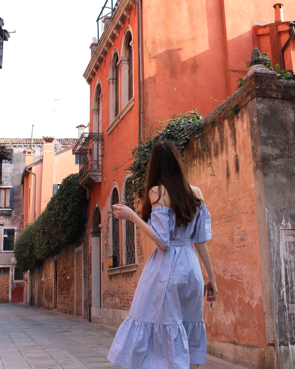 vacation dress for italy venice