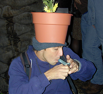 pothead_pot_on_head.jpg