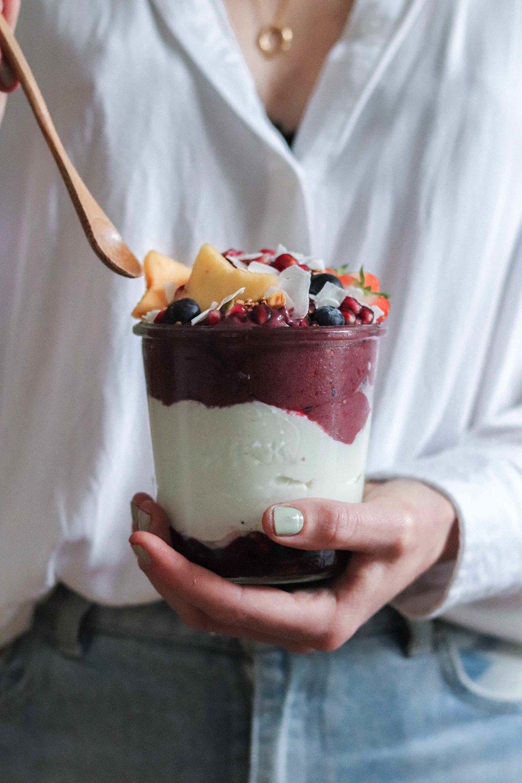 The Holy Berry Açai yoghurt food fotografie food styling