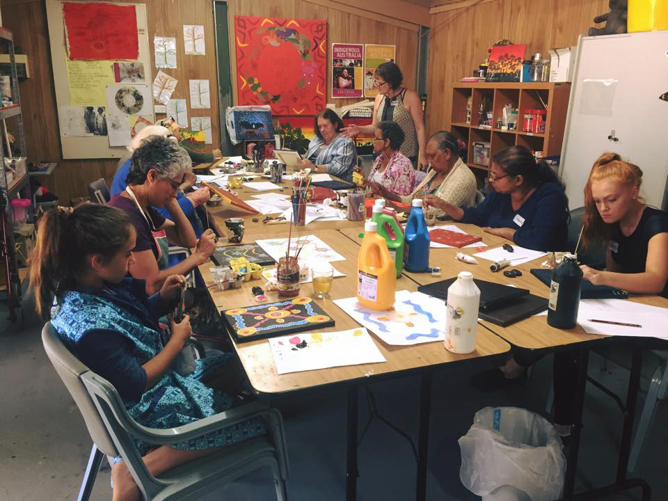 Jade running an art workshop at the Mundaring Art Centre