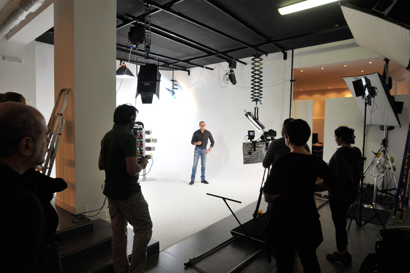 2-studiophotografia-backstage-gallery-Phase-Essenziale.jpg
