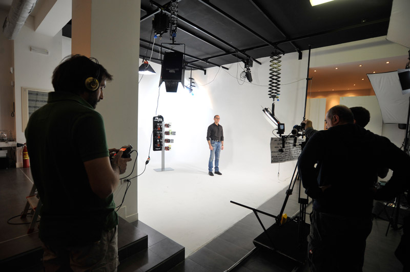 3-studiophotografia-backstage-gallery-Phase-Essenziale.jpg