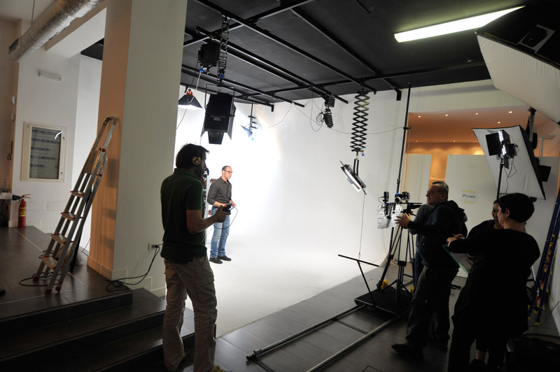4-studiophotografia-backstage-gallery-Phase-Essenziale.jpg