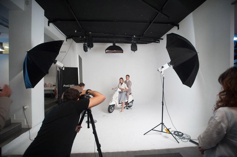 5-studiophotografia-backstage-gallery-Vacanze-Romane-Autieri-Conticini.jpg