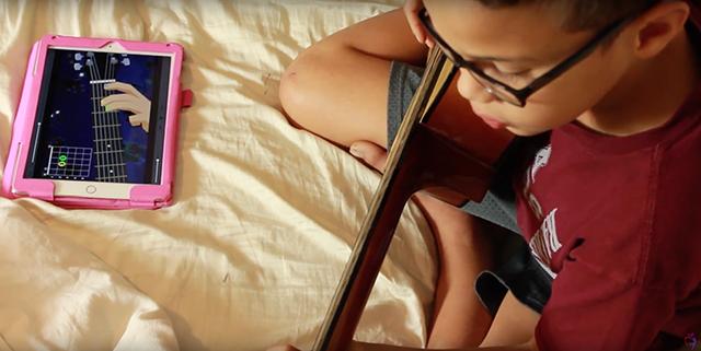Amber Canaan (November 10, 2016) At-Home Guitar Lessons