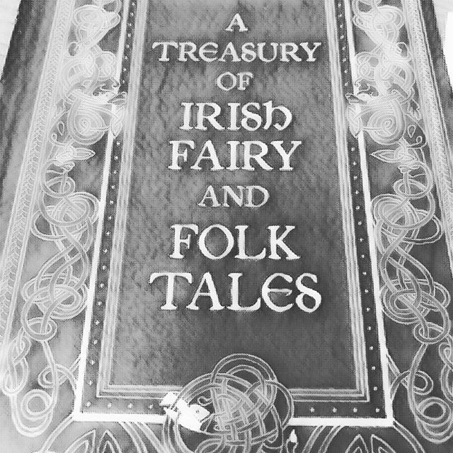 For #wordlesswednesday and a hint forwards the theme of the next book. #books #fairytale #fairytales #fantasybooks #fantasy #fiction