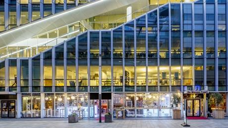 kantoorgebouw_vinoly_met_in_de_plint_de_nieuwe_poort_foto_marc_dorleijn.jpg