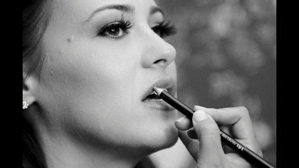We invite you and your friends to join our glam squad as we teach essential tips and tricks that will revamp your makeup bag and keep you camera ready. We will create a custom style and show you how to acheive it.Complimentary champagne with booking.