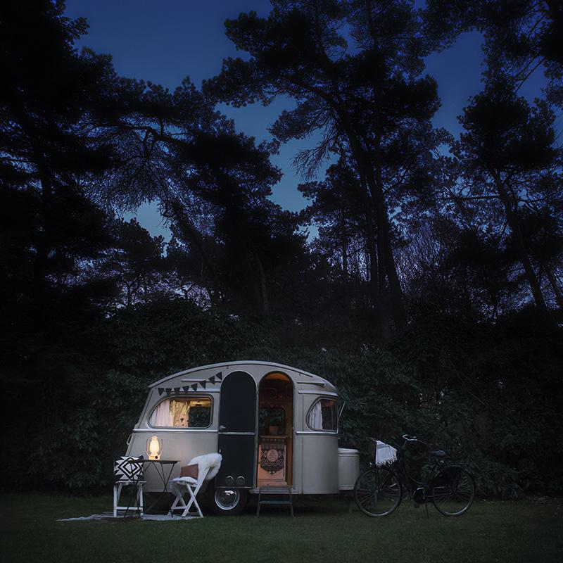 Caravan in schemer (keyvisual).jpg