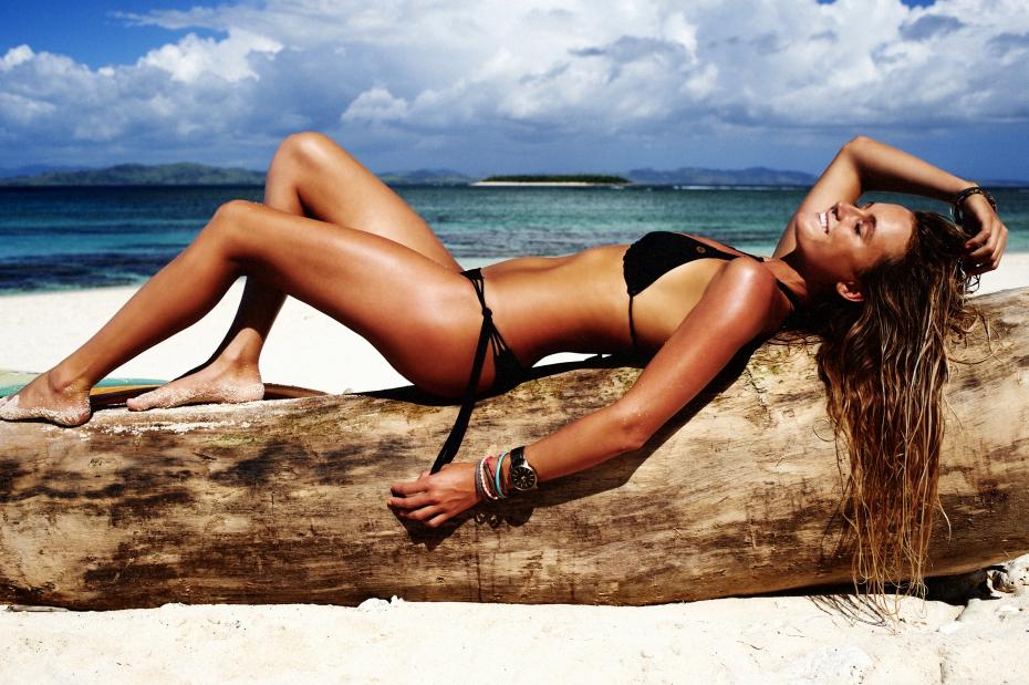 alana-blanchard-bikini-hot_full.jpg