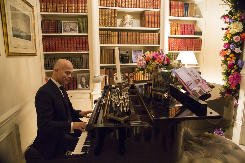 007-ClintonBookSigning_PhotobyAyanoHisa.jpg
