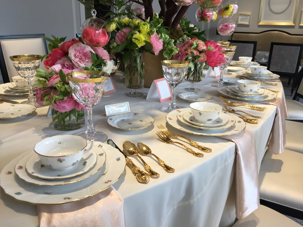 Intimate table settings