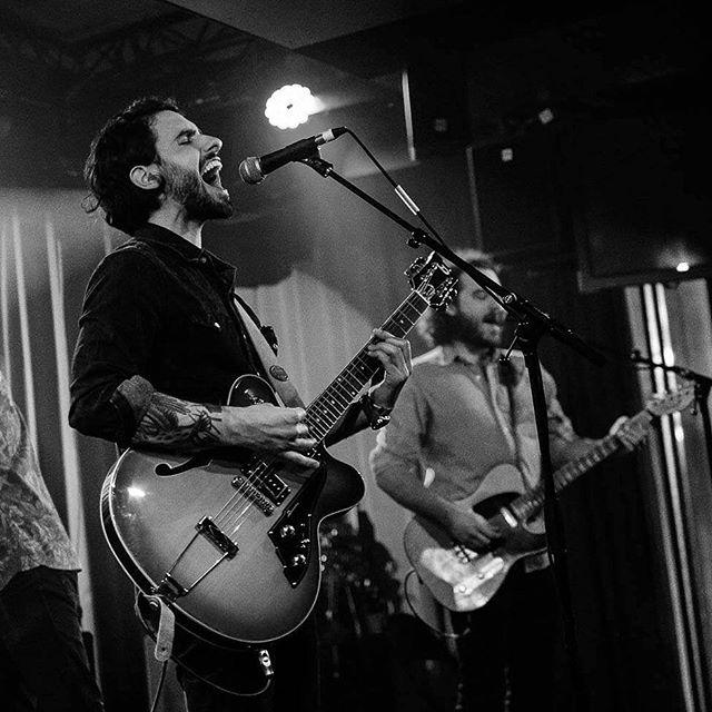 @redhillsmusic release show at @rockhallux #luxembourg #fox #foxisaband #singer #guitar #sm58 #duesenberg #fender #fenderguitars