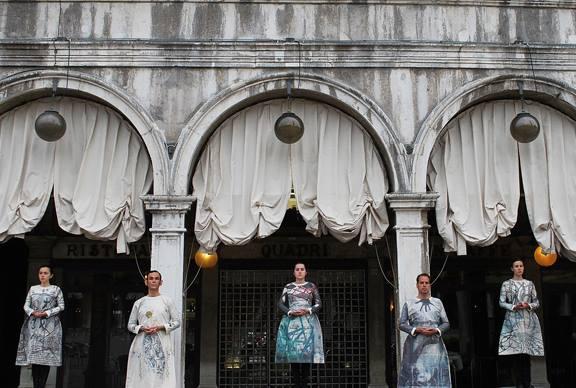 Ernesto Pujol's (Art Practice Faculty) Flux performance in Venice