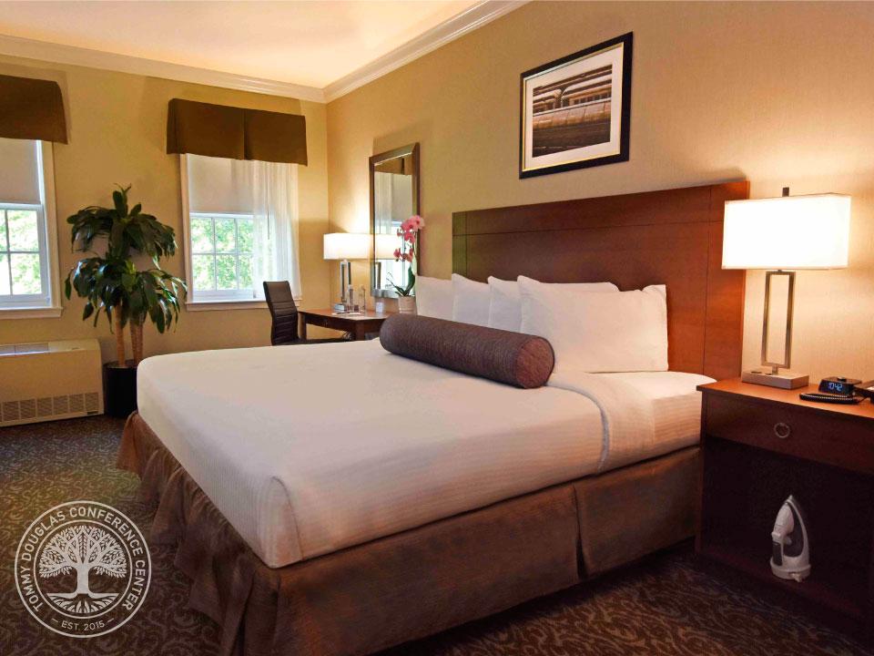 Guestroom.image1.jpg