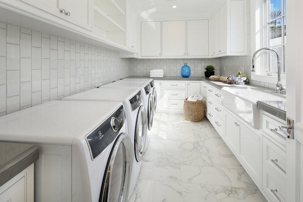 33Beachview11Laundry-edit.jpg