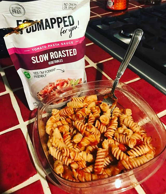 What's for dinner tonight?! Gluten free pasta and @fodmapped_ roasted vegetable pasta sauce👌🏻 It's the key to my low FODMAP heart❤  #uslowfodmap #friendlyfoods #ibsfriendly #fodmapfriendly #fodmaps #digestion #health #nutrition #fodmapped #lowfodmap #irritablebowelsyndrome #foodintolerance #stomachaches