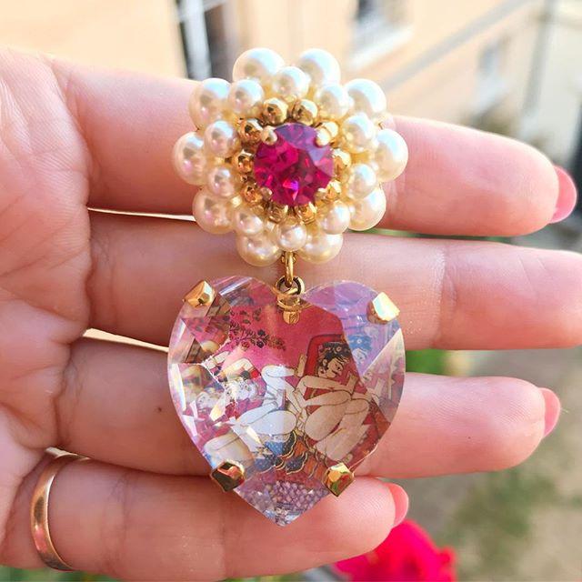 Did you look carefully inside the crystal heart ? 🔥🌹 #chabaux #kamasutra