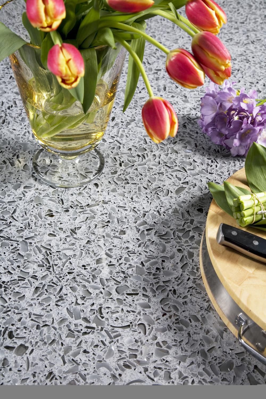 vetrazzo_cool_titaniumi_kitchen_recycled_glass_countertop_9x13_323pp.jpg