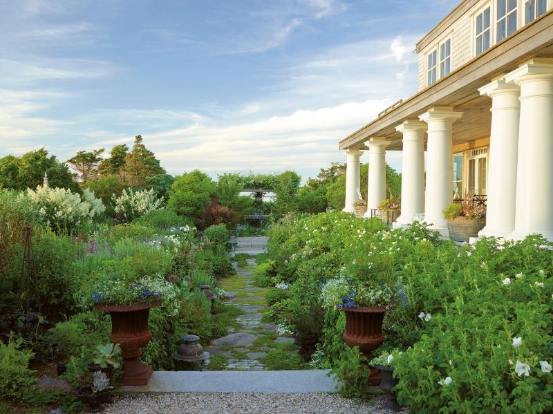 Susan Burke's garden, Architectural Digest