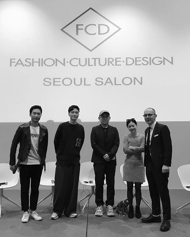 The first FCD Seoul Salon was a success! Thanks to our brilliant panelists. We are looking forward to the next one #fashion #culture #design #kpop #kfashion