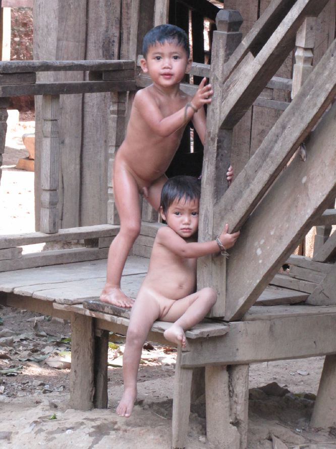 laos_children_travel_photographer_benabib.JPG