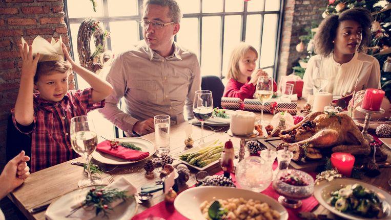 happy-family-christmas-dinner.jpg